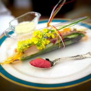 Belli da vedere, buoni da mangiare: 7 fiori e le loro proprietà